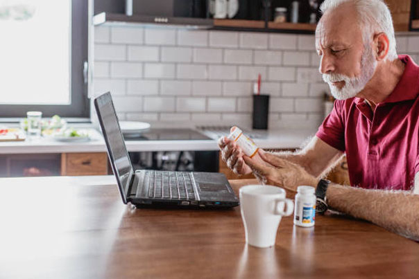 5 Benefits of Technology to Share with Seniors and Their Caregivers